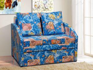 диван и картины