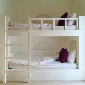 Бортики на втором ярусе кроватки