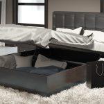 Разновидности кроватей с подъемным механизмом и их достоинства