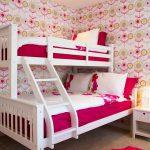 Двухъярусные кровати из массива дерева: правила выбора и ухода