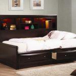 Особенности кроватки-комод и ее разновидности