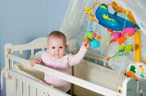 Детский мобиль на кроватку новорожденного
