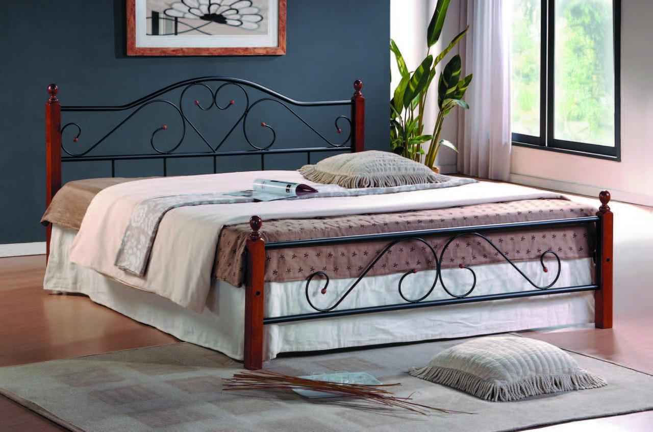 Как сделать кованную кровать с деревянными ножками