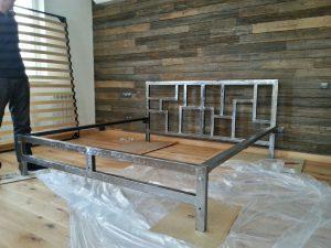 кровать с металлическим каркасом подготовительные работы и процесс