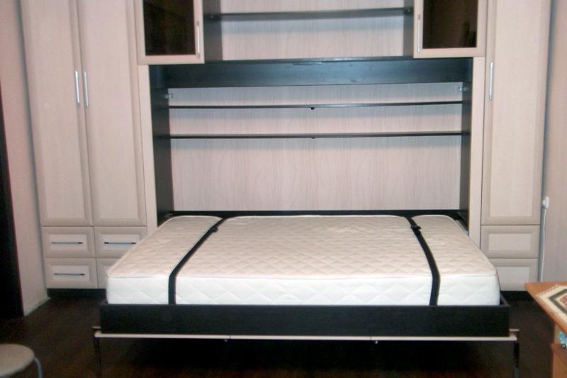 Горизонтальная кровать трансформирующегося типа