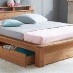 Деревянная кровать: безопасность и практичность