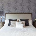 Правила выбора обоев для ремонта спальни