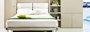 Красивая кровати
