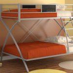 Двухъярусные кровати из металла: преимущества и недостатки