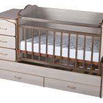 Кроватка с укачиванием