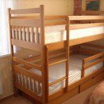 Кровать в два яруса для ребенка
