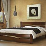 Кровать на основе дерева