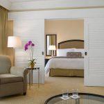 Раздвижные двери для обустройства спальни