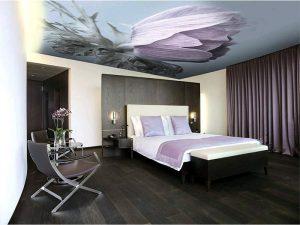 Рисунок на потолке в спальне