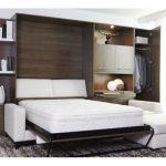 Спальня с практичной мебели