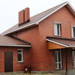 Кирпичные дома и особенности их эксплуатации