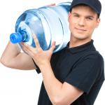 Как выбрать компанию доставки воды