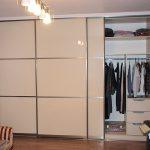 Встроенный шкаф-купе и его преимущества