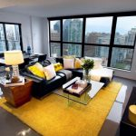 Яркий ковер в интерьере: как легко и просто привнести красок в вашу квартиру (37 фото)