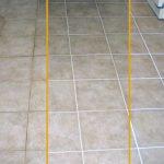 Надоели грязные швы между плиткой? Узнайте эффективные способы очистки швов между плиткой