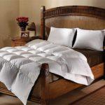 Королевское ложе – пуховые подушки, одеяла, как символ роскоши