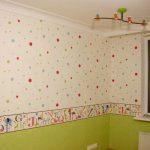 Время высыхания бумажных обоев на стене