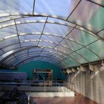 Крыша из поликарбоната. Как покрыть крышу поликарбонатом?