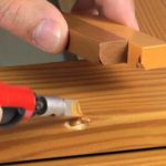 Простой способ убрать царапины и сколы на мебели, ламинате и дверях