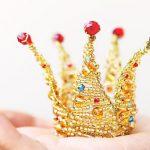 Корона из бисера своими руками: мастер-класс и схема для куклы с фото