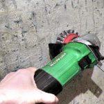 Как быстро и эффективно снять старый слой краски со стен