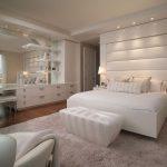 Оформление интерьера мебелью белого цвета — О Комнате