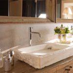 Накладная каменная раковина – атрибут эксклюзивной ванной комнаты