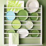 Не просто посуда: как украсить интерьер квартиры тарелками (27 фото)