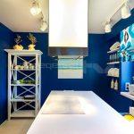👍 Интерьер сине-белой кухни 10 кв.м.
