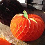 Тыква из бумаги своими руками на Хэллоуин: идеи для творчества