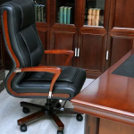 Как выбрать офисное кресло для руководителя